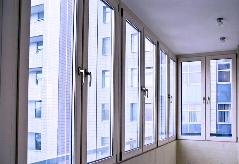 Балконные рамы: виды и возможности